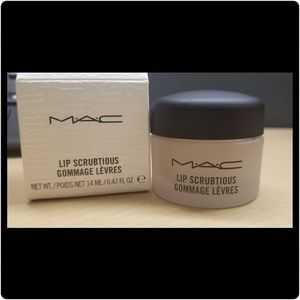 Mac Lip Scrubtious lip scrub - sweet vanilla